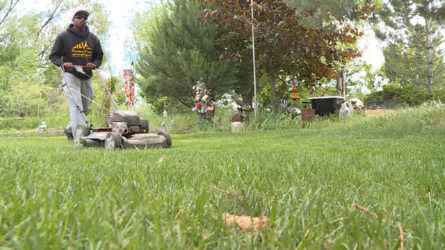 Man Starts Free Lawn Mowing Service to Make a Difference