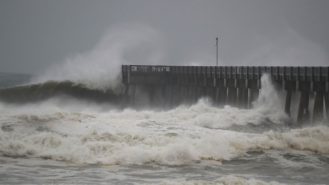 WATCH LIVE: Gulf Coast Storm Team tracks Hurricane Michael as it moves into Florida Panhandle
